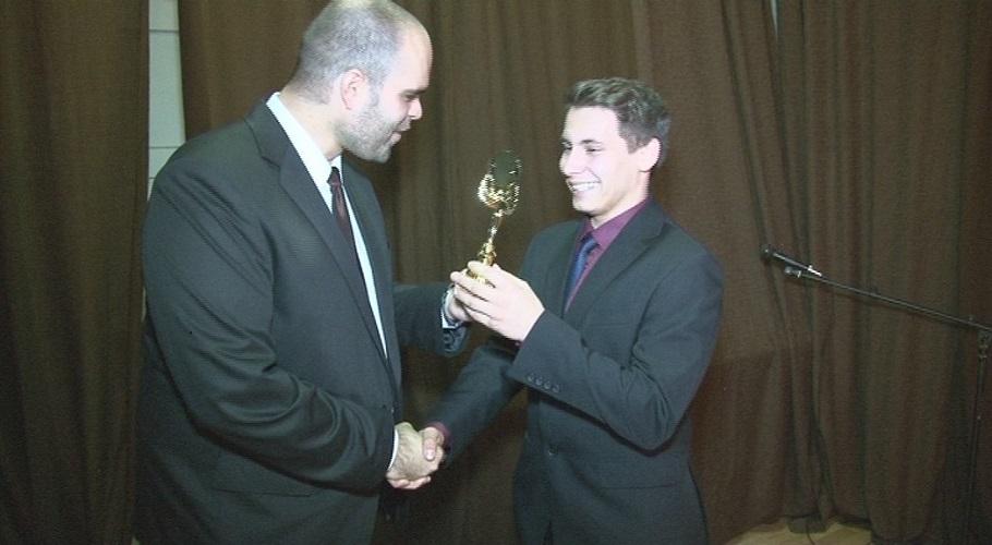Fehérek Krisztián az Indián fiú tehát a legjobb férfi szereplő díját vihette haza