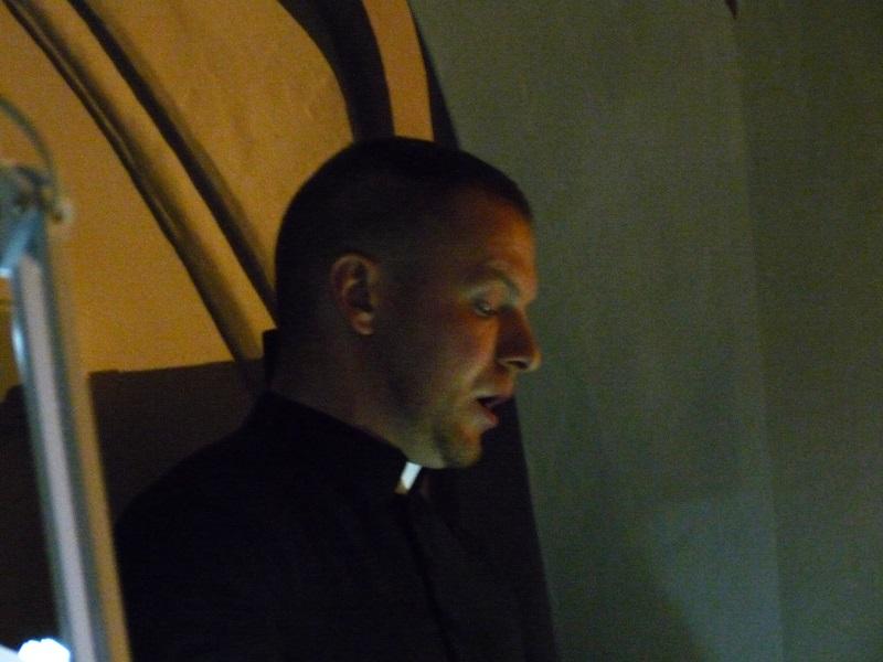 Martin Šafárik  énekel