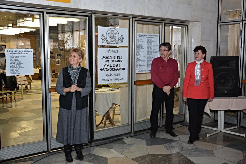 Zsok Gizella megnyitja a kiállítást