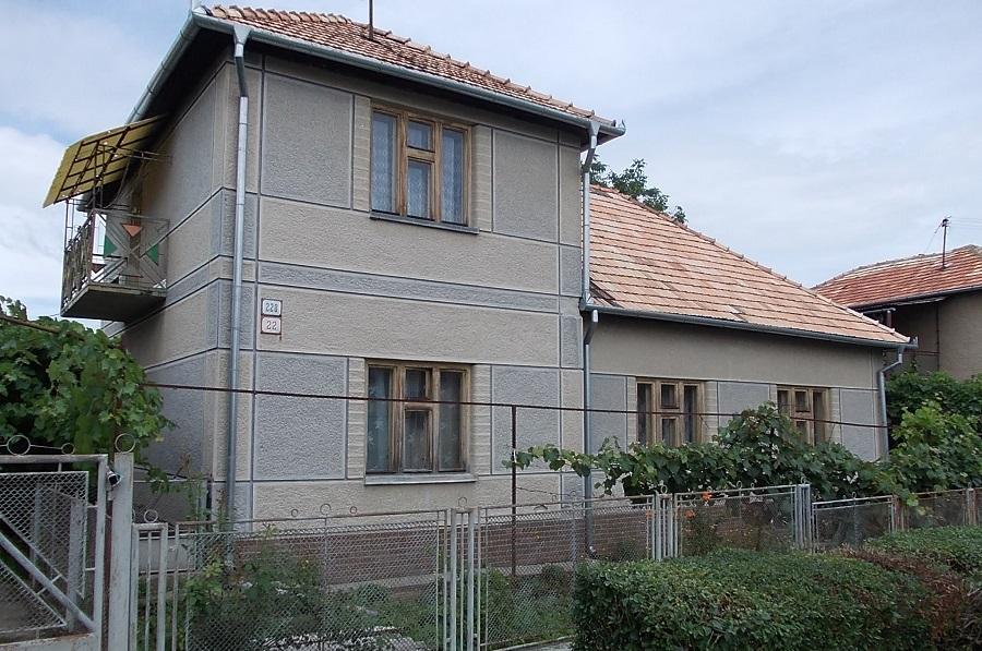 Az elárvult Zsélyi-ház Csáky Károly  felvételén