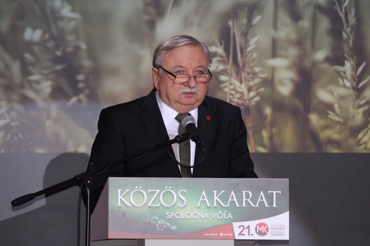 Miklós László