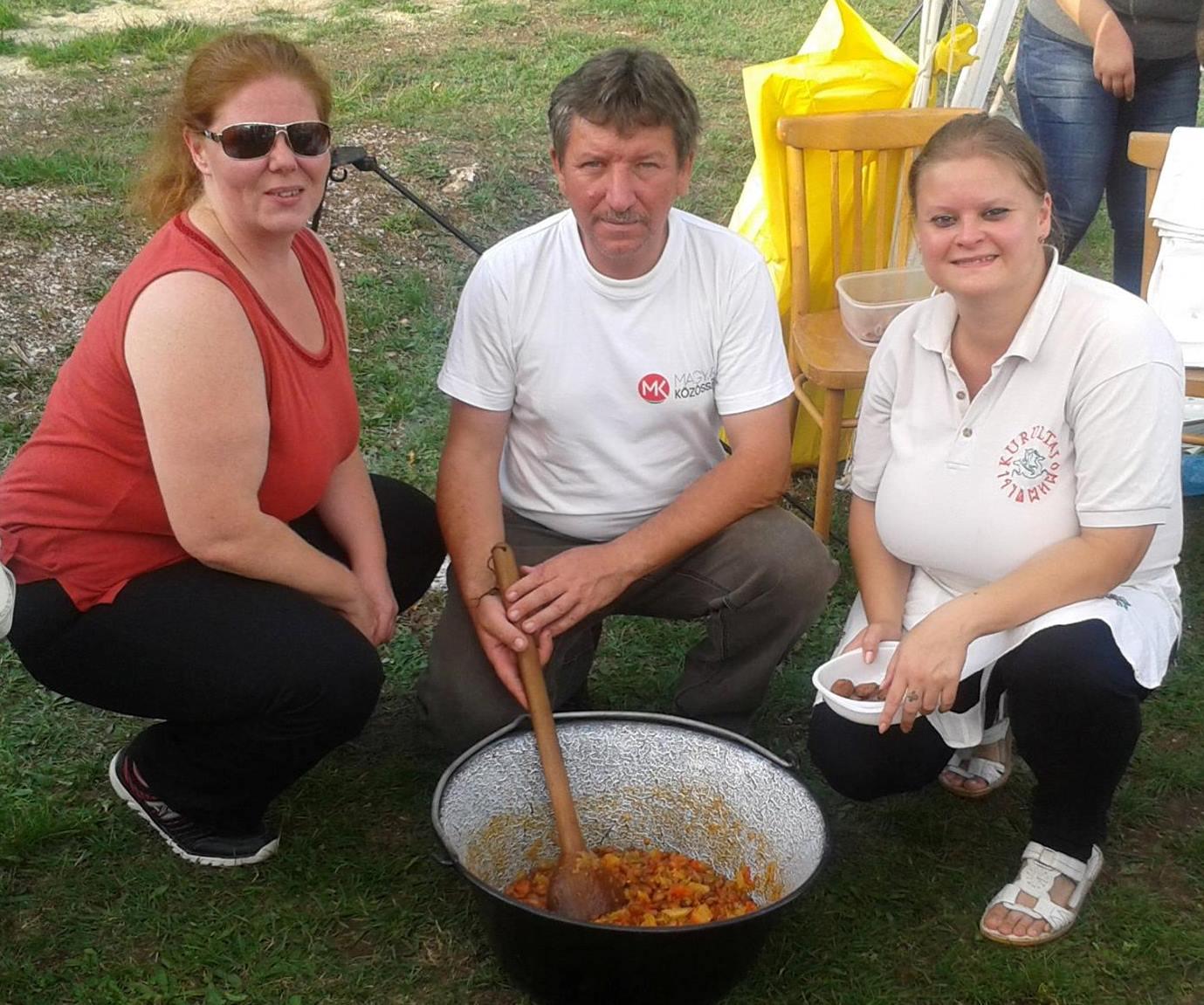 A Felvidék.ma főszerkesztőjével Homoly Erzsóval és Pósa Dénessel az ardói Lecsó fesztiválon