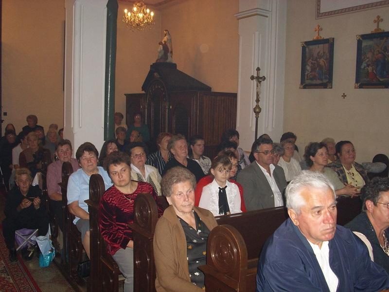 A hallgatóság a püspök tiszteletére rendezett  ünnepségen Csáky Károly felvételén