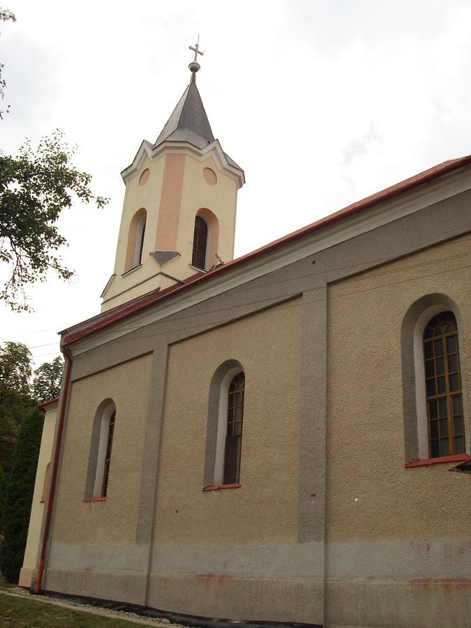 Az óvári templom a déli oldalról Csáky Károly  felv