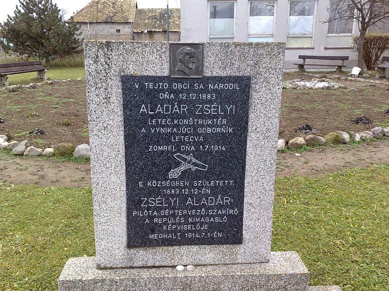 Zsélyi Aladár emléktáblája Bussán