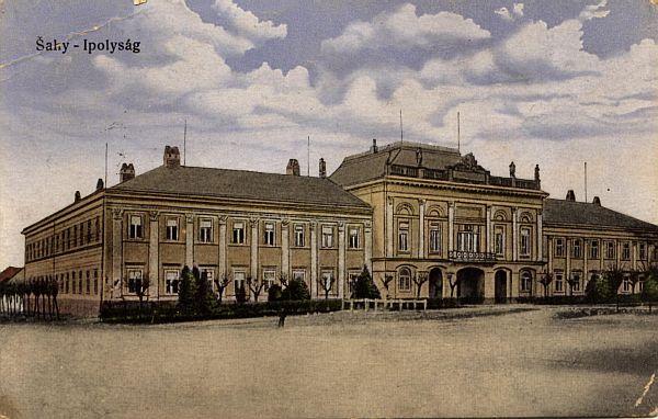 A  Hont megyei  vármegyeház ahol a Néprajzi Kiállítást rendezték