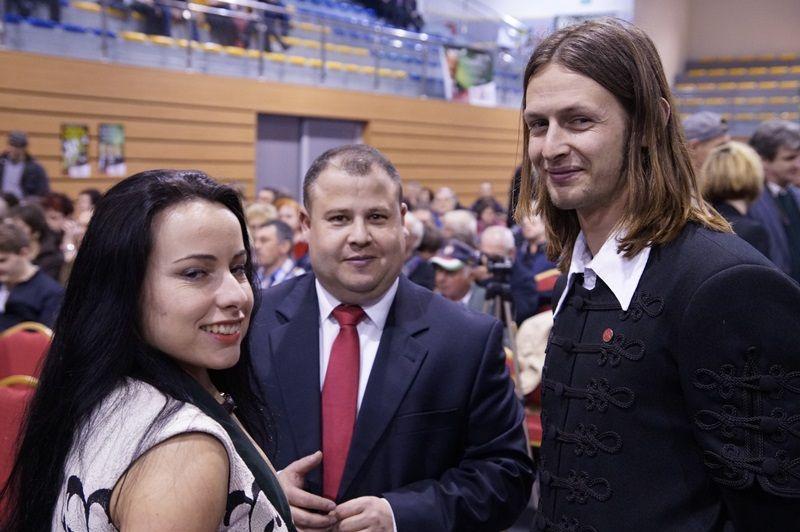 A faiatalok a kampányzárón - Bózsing Katalin Soóky Marián és Méry János
