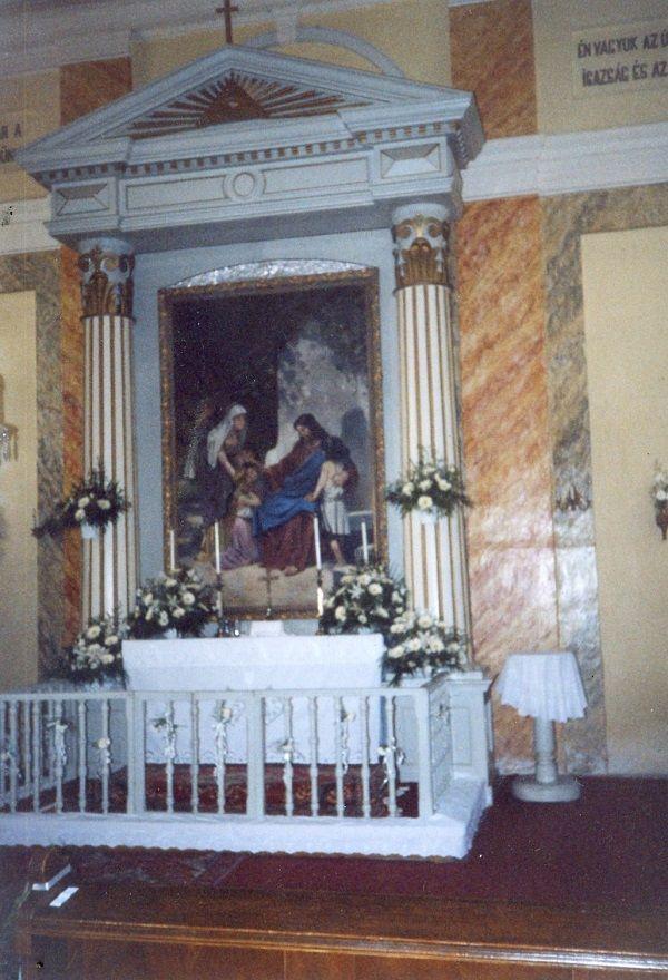 A kiscsalomjai templom oltára  Csáky Károly felvételén