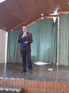 Csámpai László előadás közben