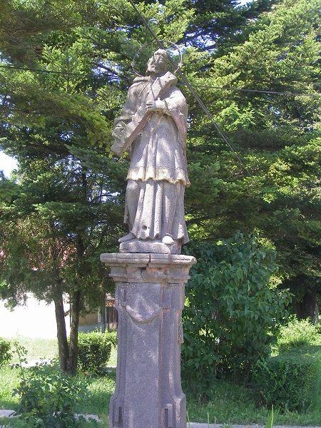 Nepomuki Szent János pereszlényi szobra