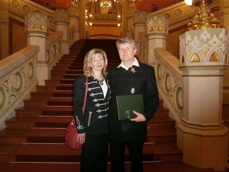 Smidt Róbert feleségével a Pesti Vigadóban