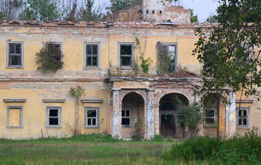 A megmaradt romos kastély Szemeréden