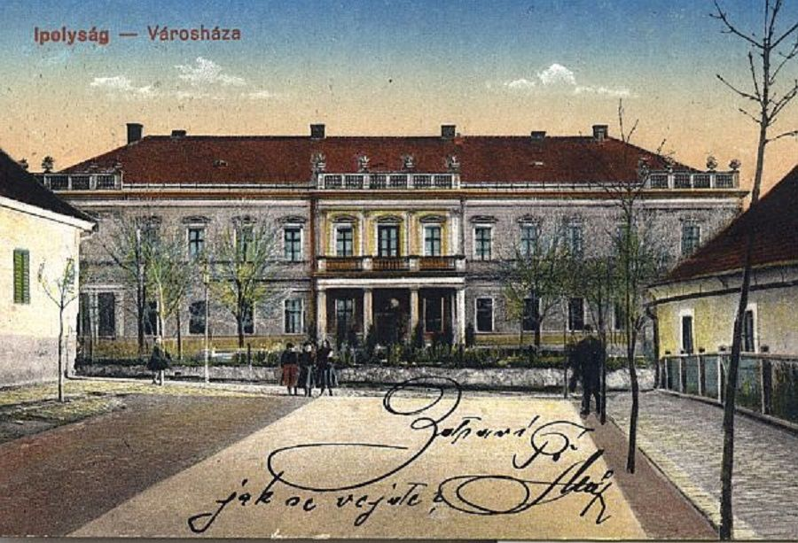 A régi ipolysági városháza, a volt Honti Kaszinó otthona
