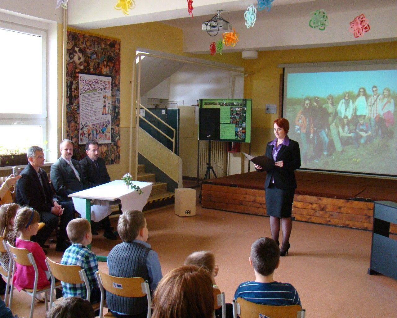 Az iskola igazgatónőjének ünnepi beszéde