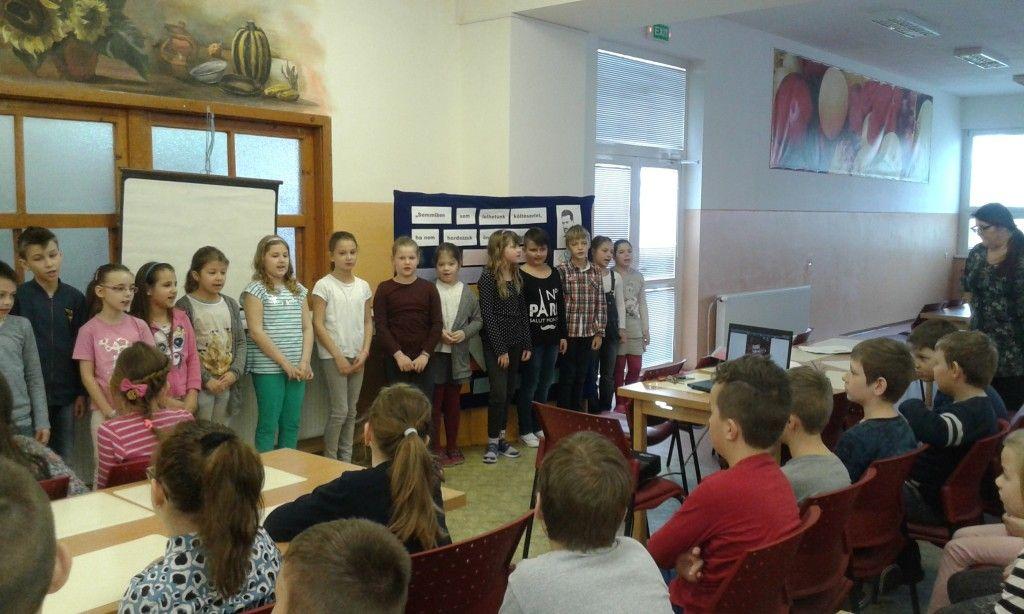 A dunaszerdahelyi harmadik évfolyamos tanulók. (Fotó: Masszi János)