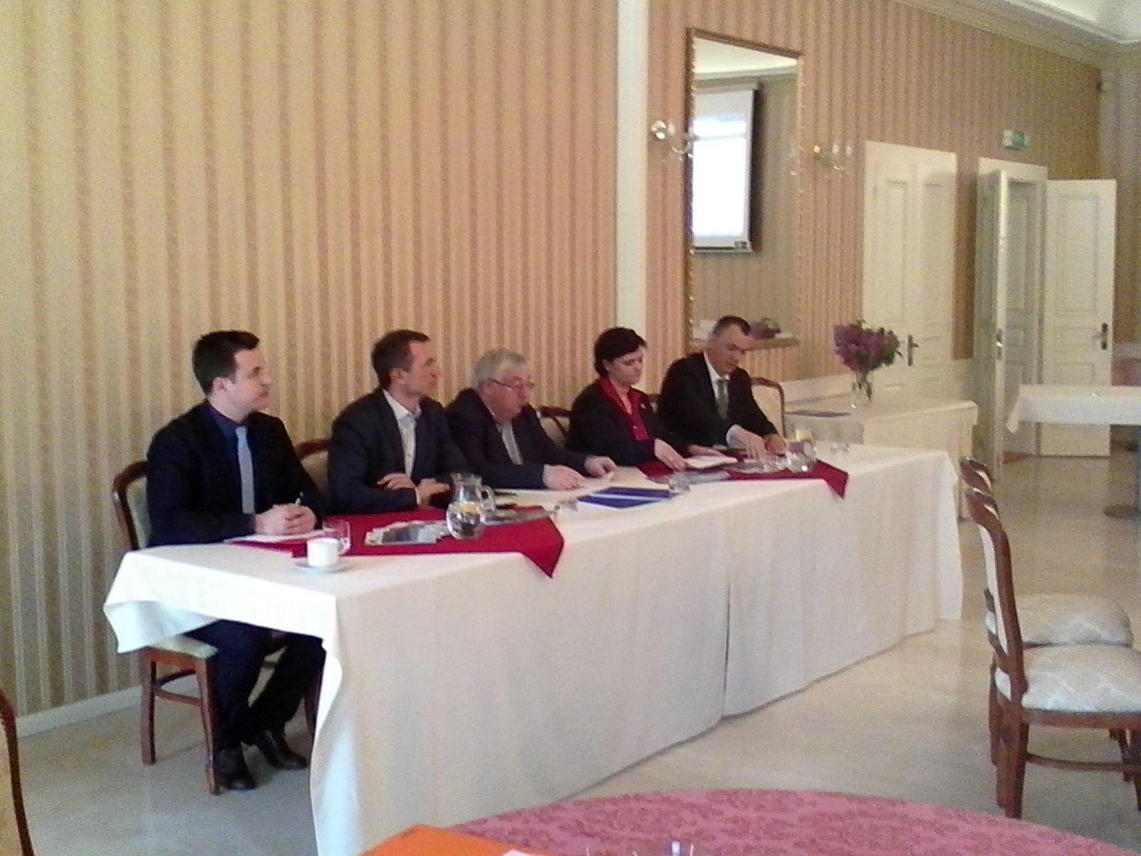 A nagymegyeri konferencia résztvevői (Fotó: Matus Tibor)