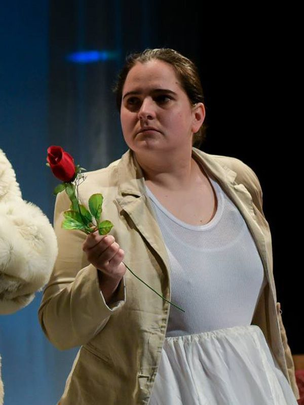 Sziklai Krisztina a Börtönkarrier c. darabban.