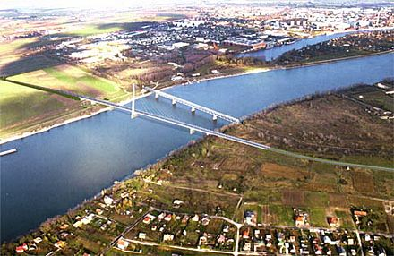 Lassan megkezdődik a bekötőút építése az új komáromi Duna-hídnál (Fotó: komarom.org)