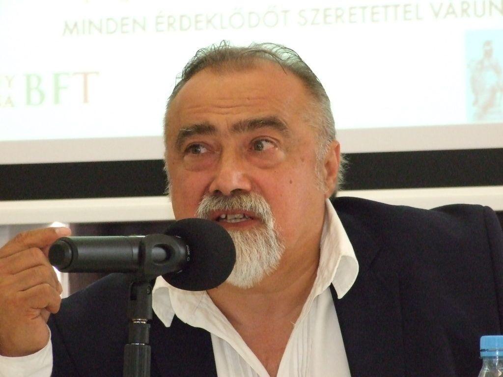 Takaró Mihály irodalomtörténész (Fotó: Szegedy László)