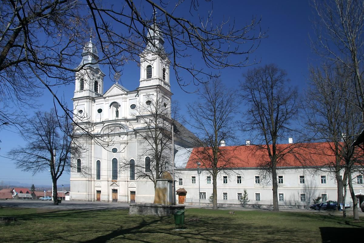 A csíksomlyói kegytemplom (Fotó: mariaradio.ro)