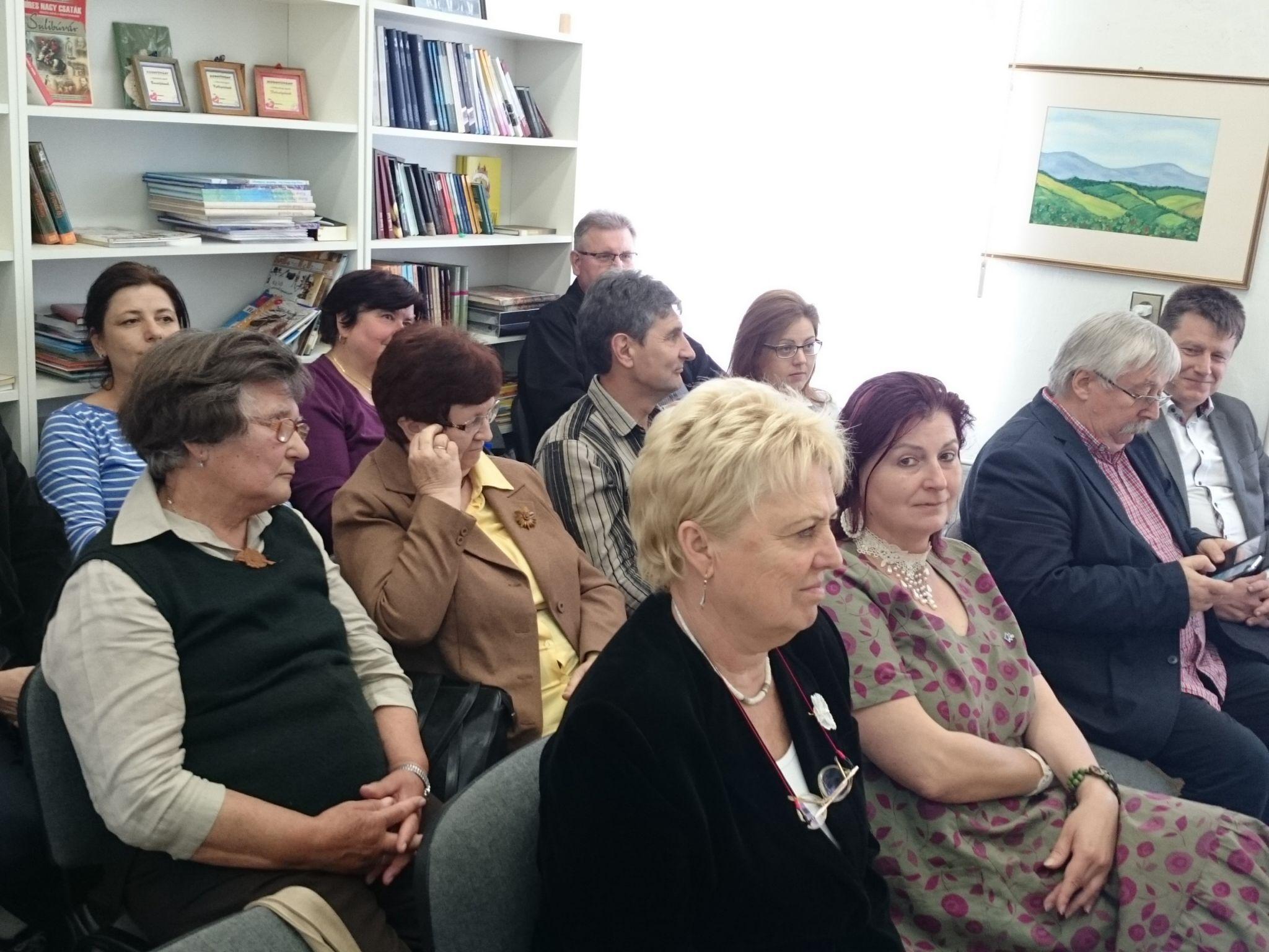 A fórum résztvevői közt Jókai Mária és Szanyi Mária néprajzkutatók.