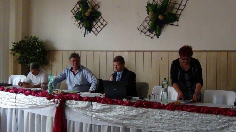 A gyűlést Csirmaz Miklós vezette, a számlálóbizottság elnöke Ziman Ágnes volt (Fotó: HE)