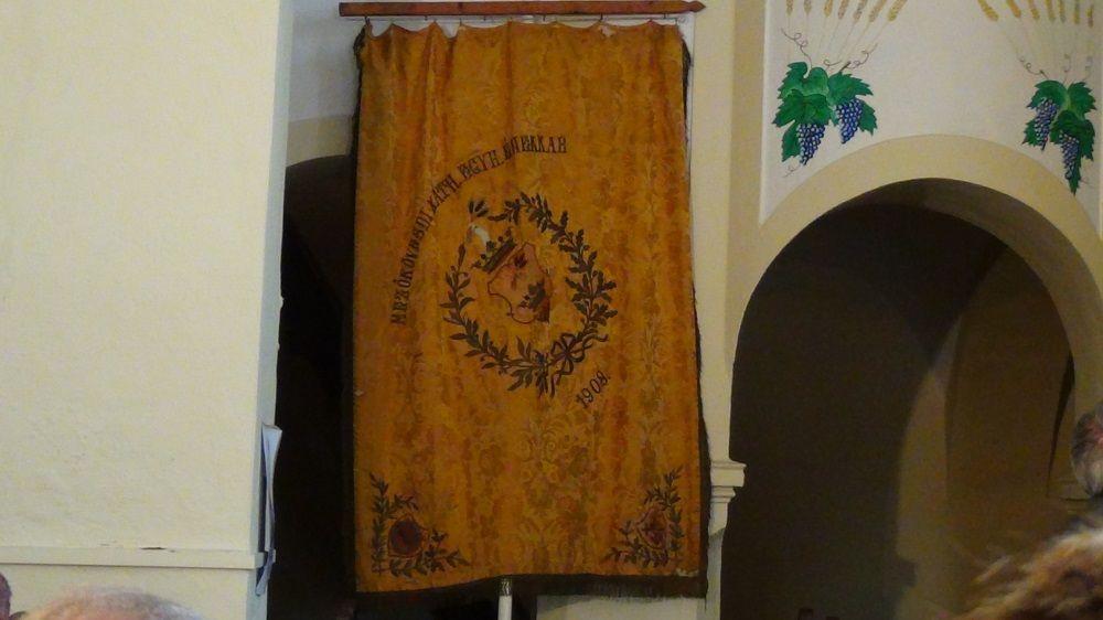 Az ünnepségre elhozták az 1908-as zászlót (Fotó: HE)