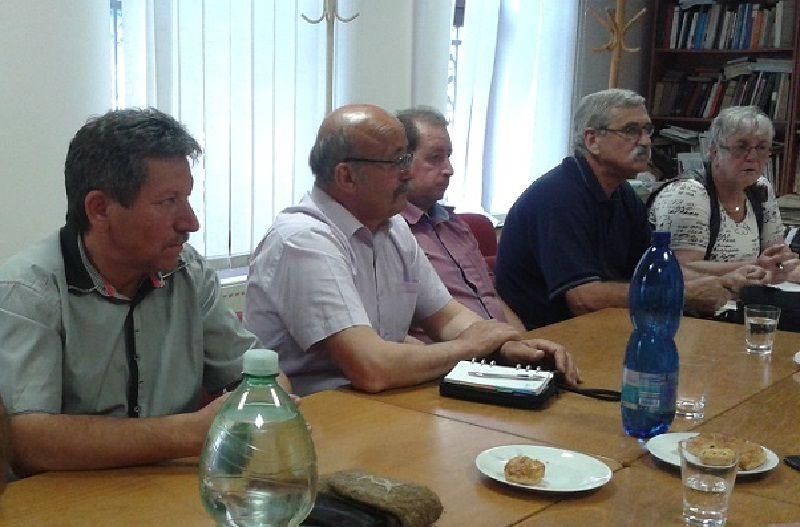 Balról Pósa Dénes, az MKP Rimaszombati járási alelnöke (Fotó: HE)