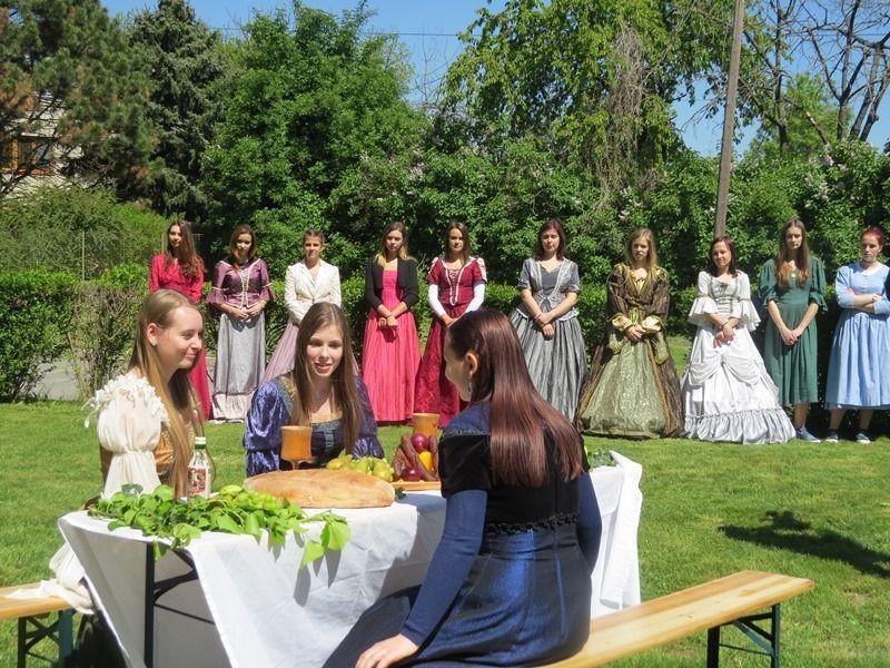 Beatrix királyné tréfája című színdarab szereplői