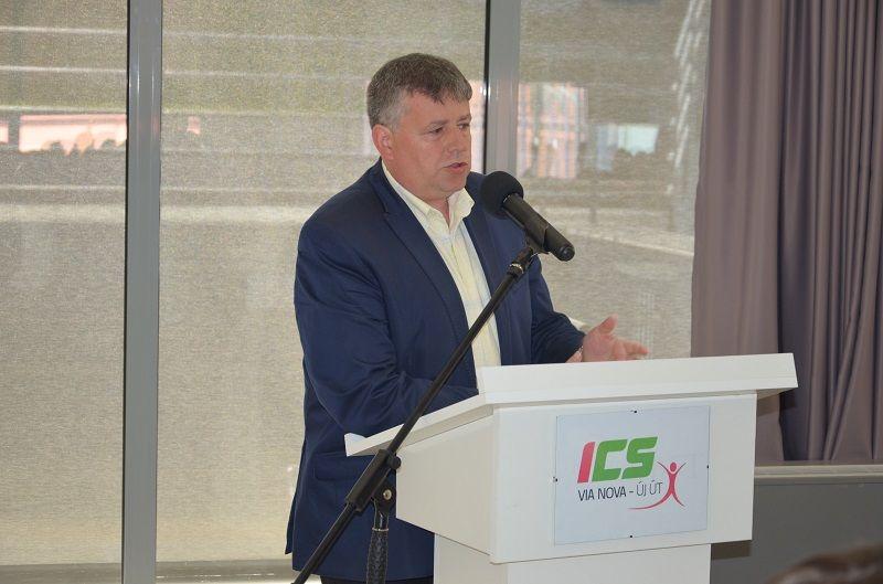 Furik Csaba, a Kassa Megyei Önkormányzat MKP-s képviselője is szólt a küldöttekhez (Fotó: Szimkó Balázs)