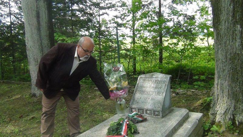 Jozef Potanko, Toporc polgármestere Görgei Artúr feleségének a sírjánál is emlékezett (Fotó: HE)