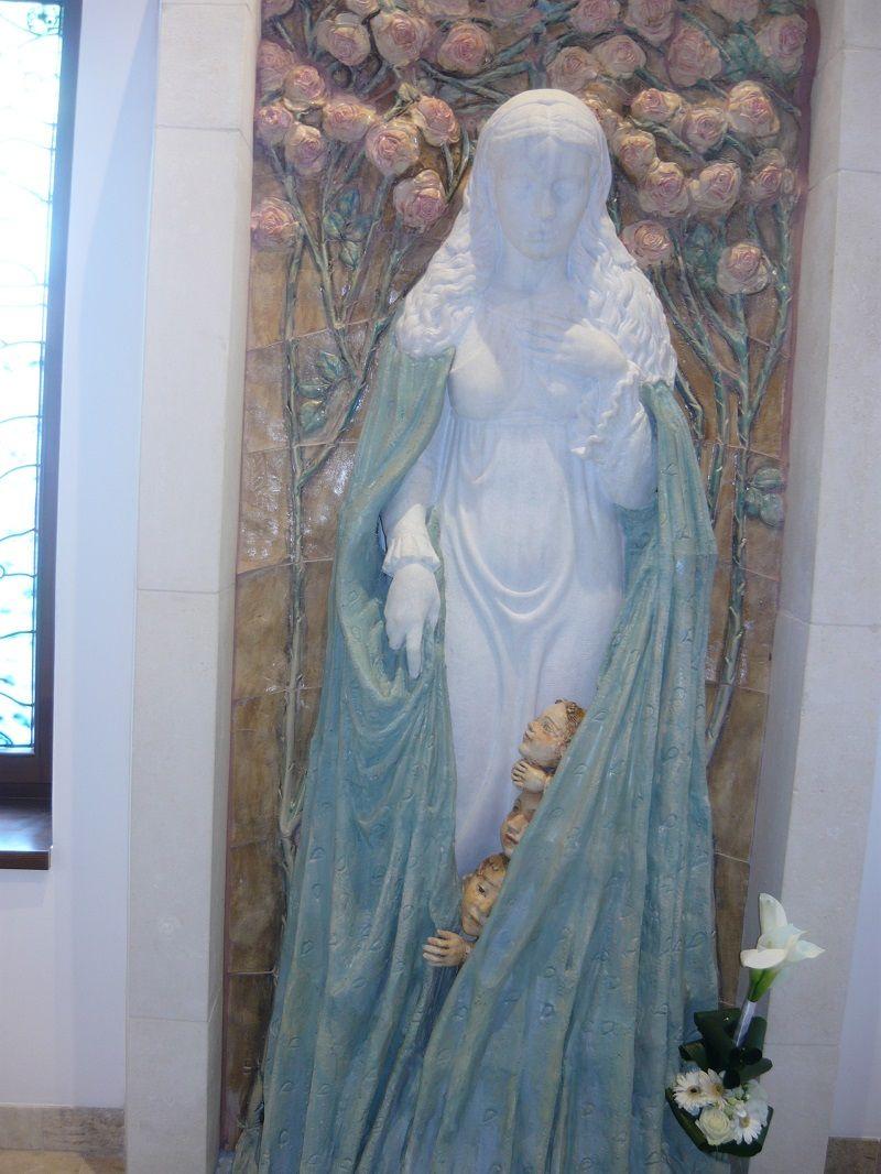 Szűz Mária szobra (Fotó: Dániel Erzsébet)