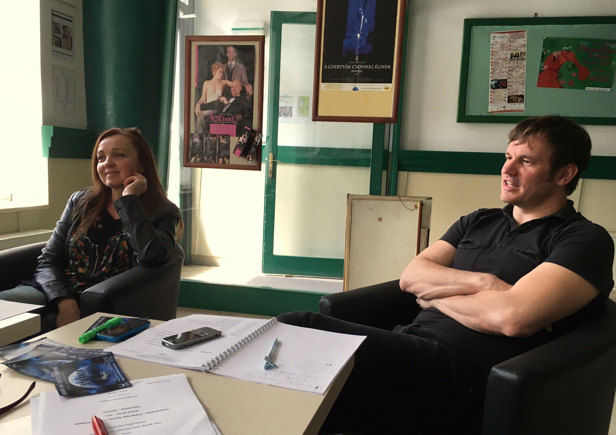 Varga Szilvia és Nádasdi Péter az olvasópróbán (Fotó: Bárány János)