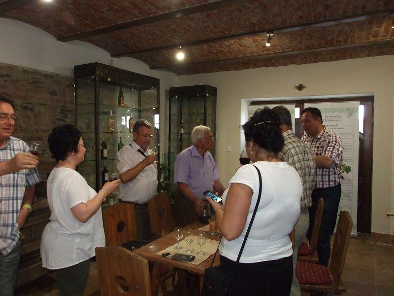 Szemán Tibor vezetésével a borpatikában