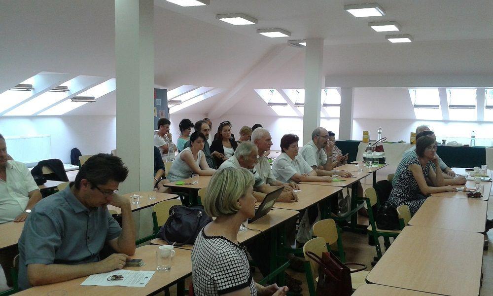 Résztvevők, a tanácskozást a Kazinczy Ferenc Alapiskolában rendezték (Fotó: HE)