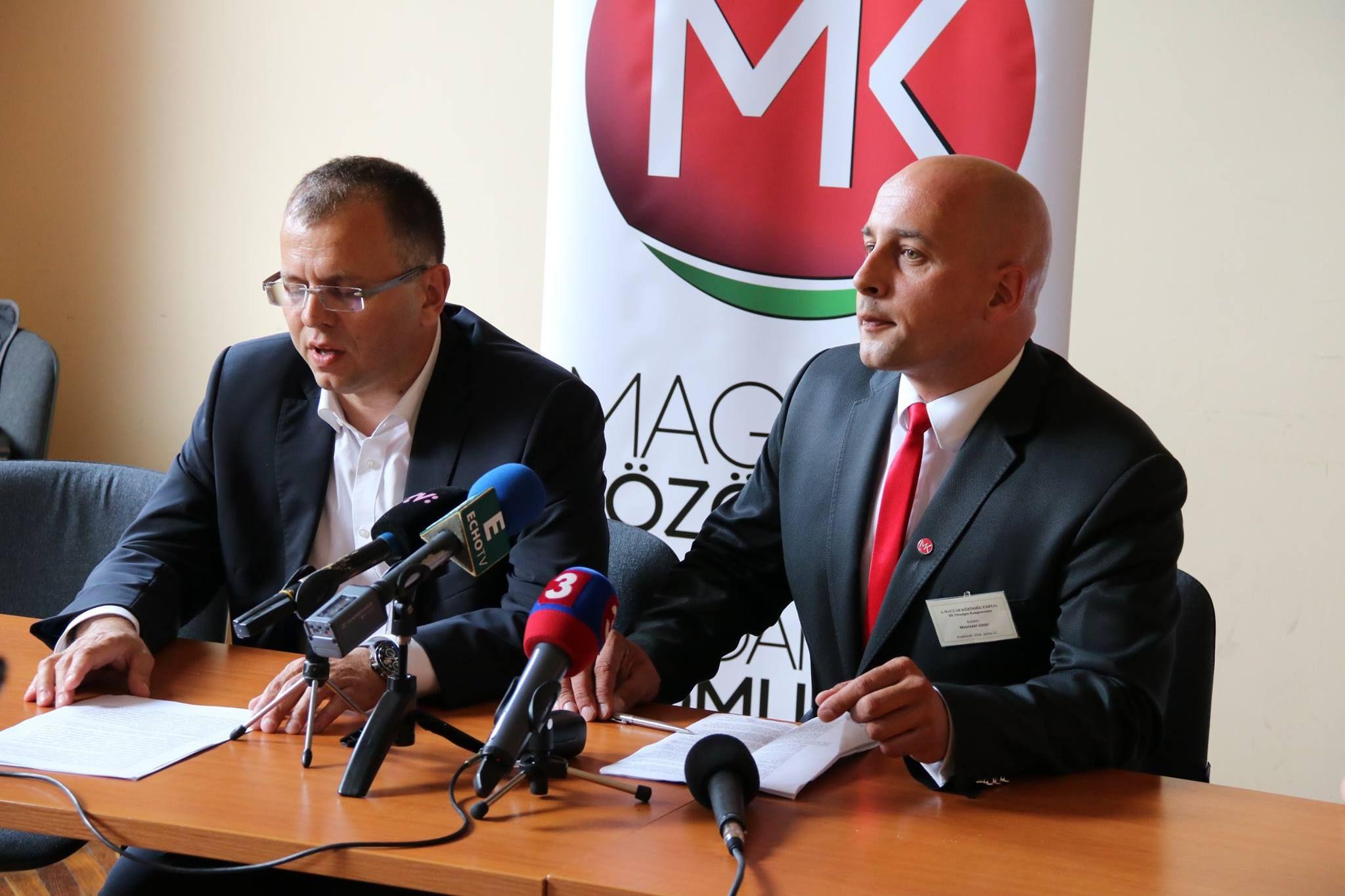 Őry Péter és Menyhárt József a sajtótájékoztatón, melyen bejelentették a tisztújítás hivatalos eredményét. (Fotó: Szinek János)