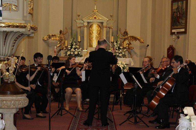 A Komáromi Kamarazenekar koncertje (Fotó: Neszméri Tünde)