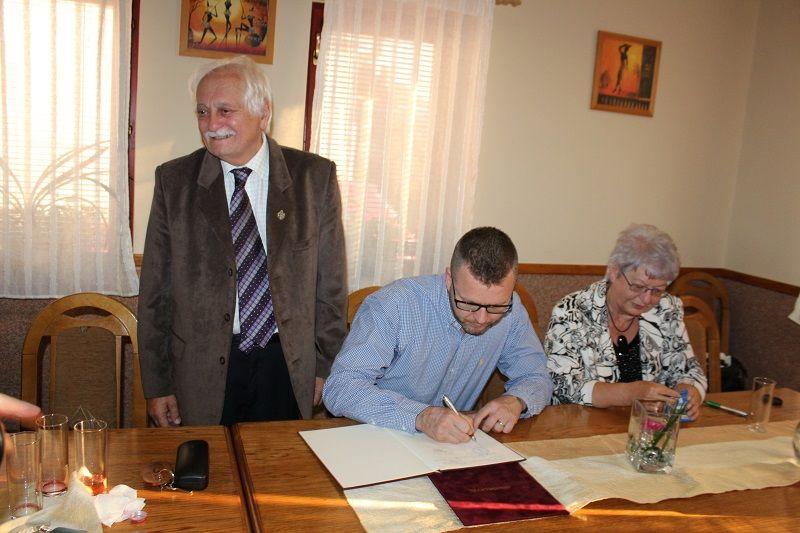 A Megbecsütek Társasága csatlakozik a Konföderációhoz (Fotó: Neszméri Tünde)