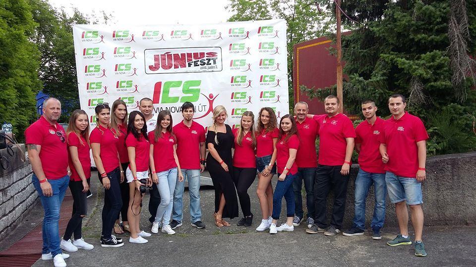 A Via Novás szervező csapat a rimaszombati JúniusFeszten (Fotó: Cziprusz Zoltán facebook)