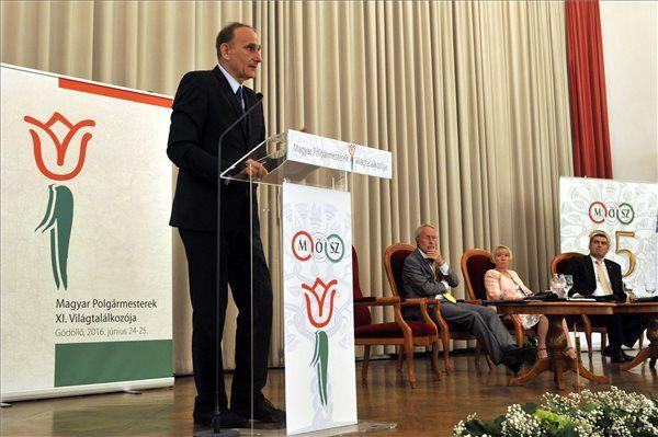 Gémesi György, a Magyar Önkormányzatok Szövetségének (MÖSZ) elnöke, Gödöllő polgármestere (Fotó: MTI/Kovács Attila)