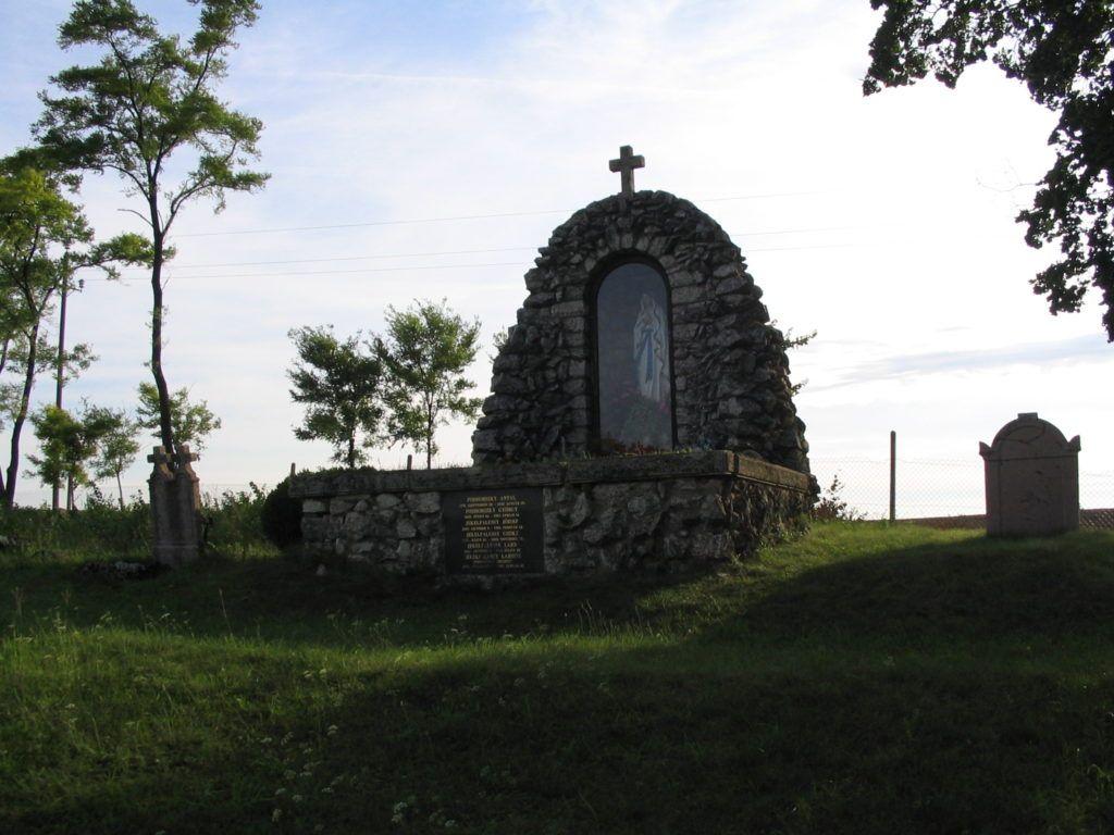 Jeles szülöttünk lontói sírhelye (Fotó: Csáky Károly)
