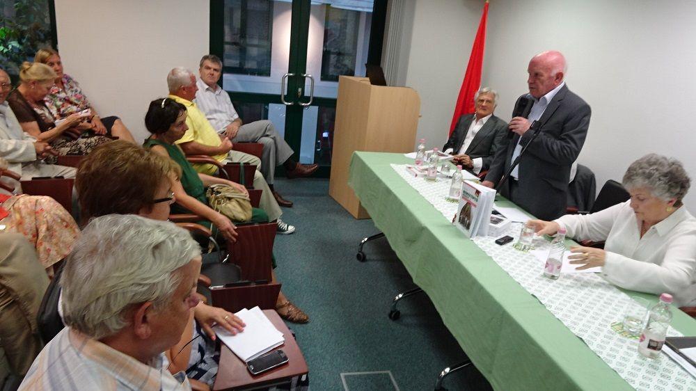 Bíró Zoltán, a Rendszerváltás Történetét Kutató Intézet és Archívum főigazgatója megnyitja a rendezvényt (Fotó: GG)