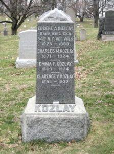 A Kozlay család sírja a brooklyni temetőben