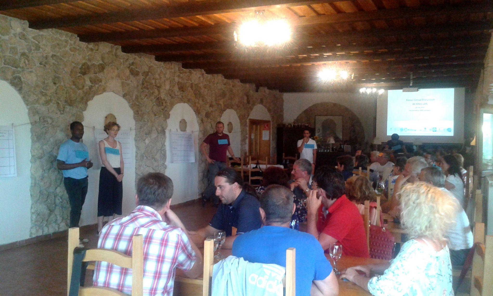 Az egyetemisták fókuszbeszélgetésen vettek részt 19 környékbeli falu képviselőivel