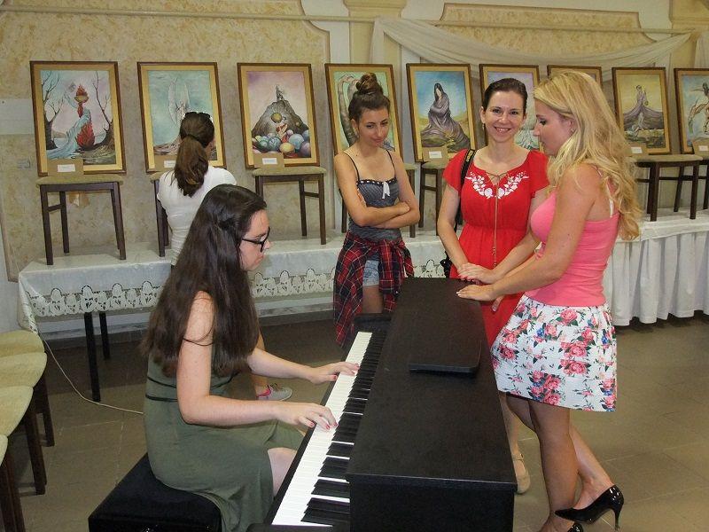 A zongoránál Vanyo Tímea (Fotó: TK)