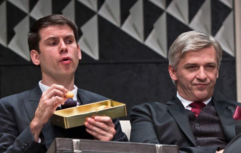 Az Igenis, miniszterelnök úr! című darabban Alföldi Róberttel.