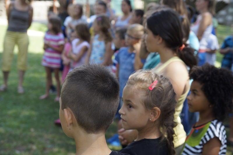 Gyerekek a tábor megnyitóján (Fotó: HA)