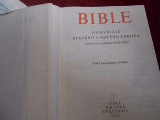Biblia, cseh evangélikus fordításban (Fotó: LB)