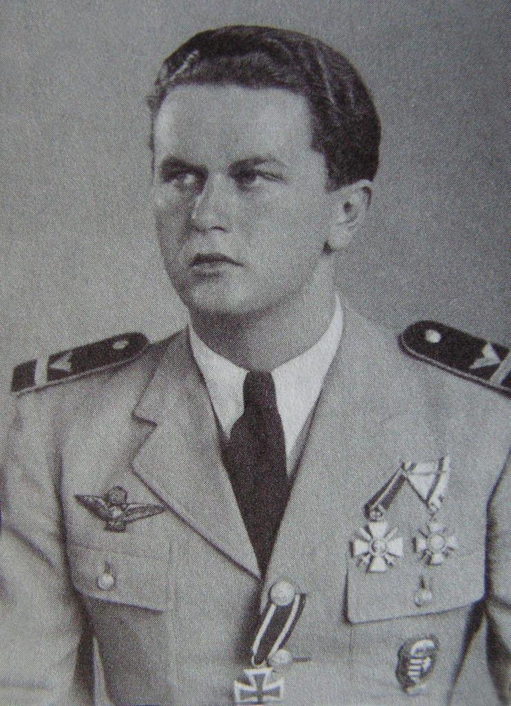 Molnár László hadnagy huszadik légi győzelmét aratta Kolozsnéma felett.