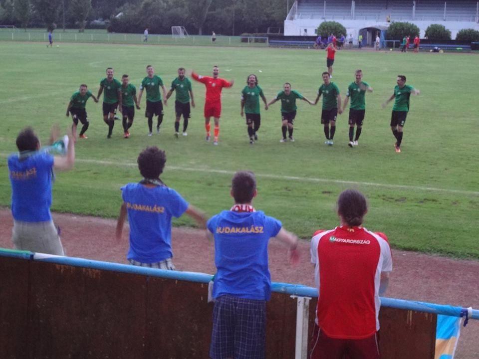 A felvidéki csapat a győztes meccs után (Fotó: Csonka Ákos)